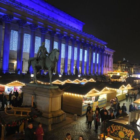 0_The-Christmas-Market-on-St-Georges-Hall-PlateauPic-Andrew-Teebay