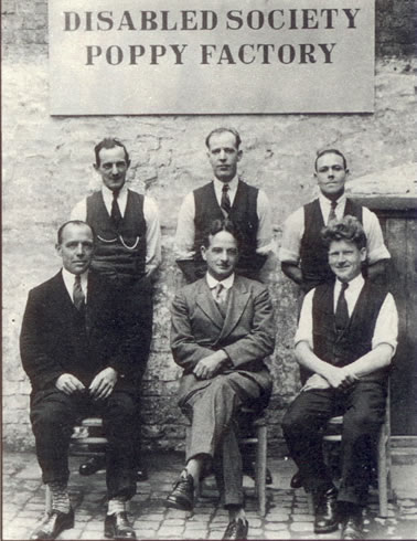 Major-George-Howson-and-workers.jpg